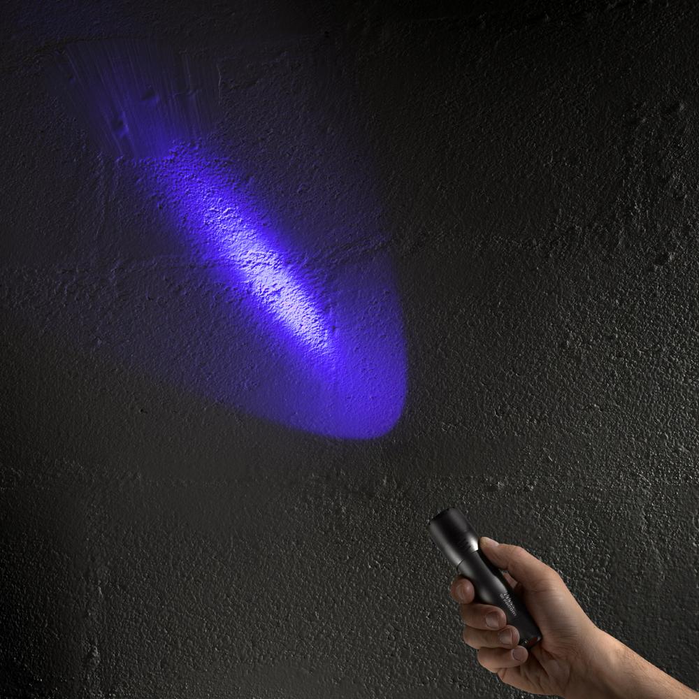 facom france gamme de lampes torches compactes facom. Black Bedroom Furniture Sets. Home Design Ideas